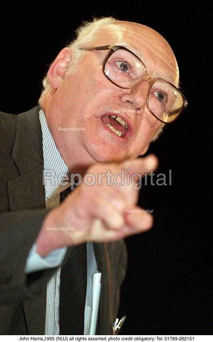 Jimmy Knapp RMT speaking at TUC Conference 1995 - John Harris - 1995-08-30