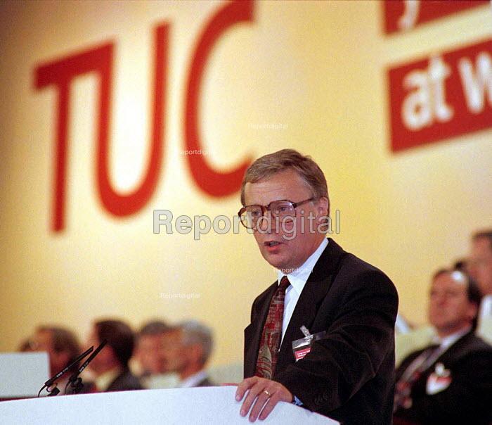 John MOnks TUC speaking at TUC Conference 1995 - John Harris - 1995-08-30