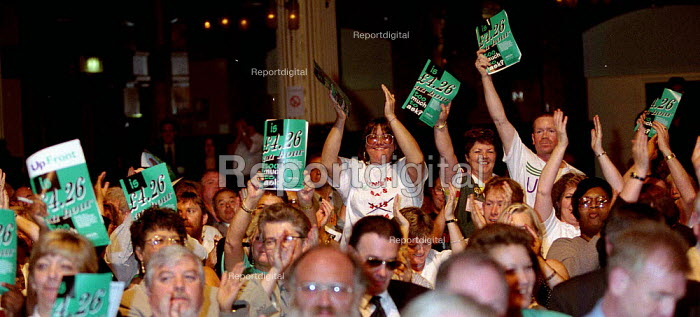 Support for minimum wage Unison delegation speaking at TUC Conference 1996 - John Harris - 1996-09-01