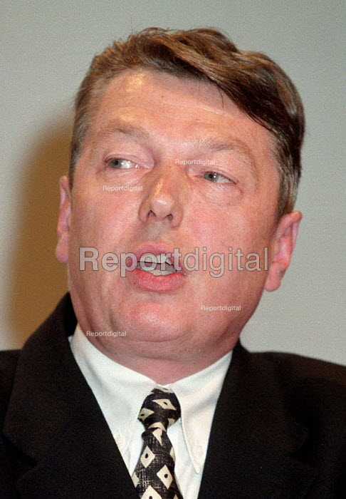 Alan Johnson MP speaking at Labour Party conference 1996 - John Harris - 1996-10-01