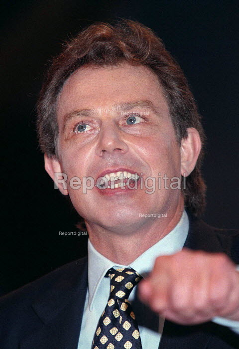Tony Blair speaking at Labour Party conference 1996 - John Harris - 1996-10-01