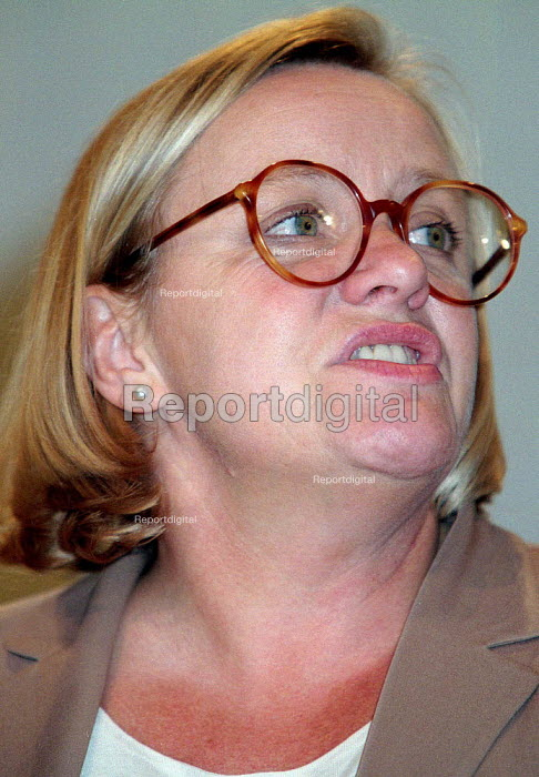 Marjorie Mowlam MP Mo Mowlam speaking at Labour Party conference 1996 - John Harris - 1996-10-01