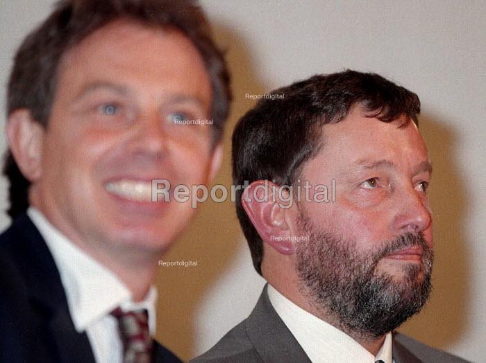 David Blunkett MP and Tony Blair MP at Labour Party conference 1996 - John Harris - 1996-10-01