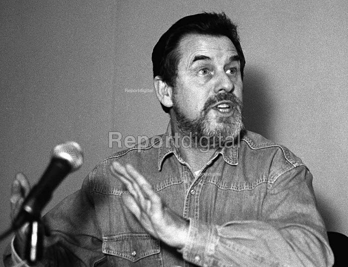Clive Brooke  Unions'96 conference Congress House 23/11/96 - John Harris - 1996-11-23