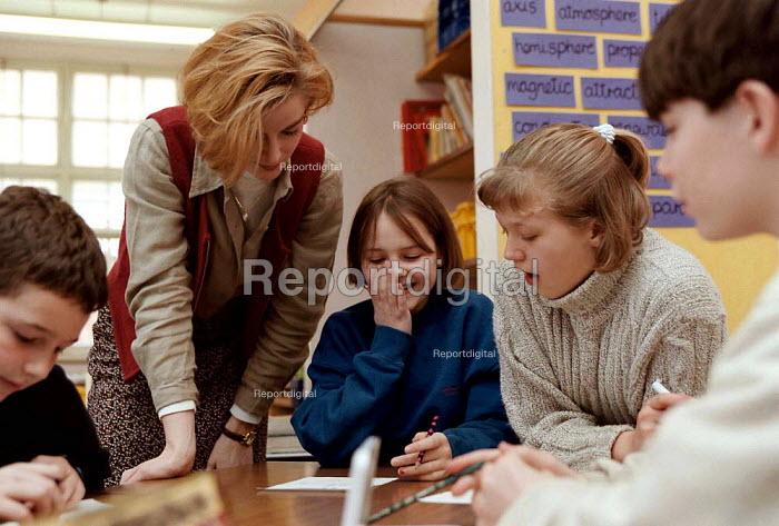 pupils in mathematics lesson Milverton Junior School Leamington Spa 21.3.97 - John Harris - 1997-03-21