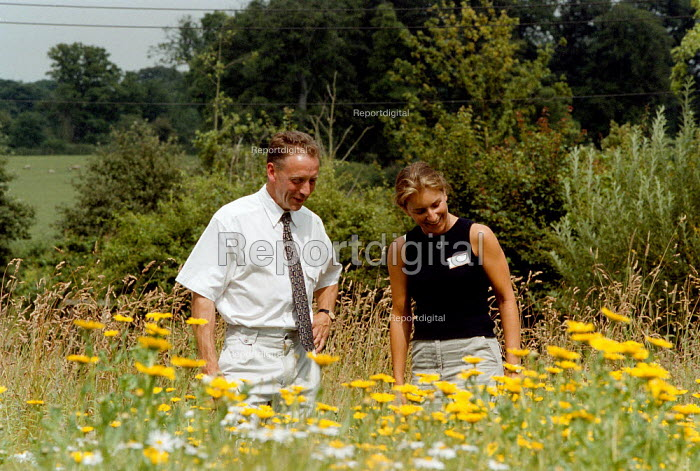 Meadow set aside for wild flowers and grasses, part of a MAFF countryside stewardship pilot scheme at the Royal Agricultural Show Stonleigh Warwickshire - John Harris - 1999-08-07