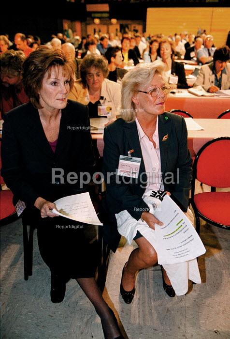 Christine Robinson IUHS Peggy Blyth GMB. Women delegates waiting to speak TUC Conference 1999 - John Harris - 1999-09-15