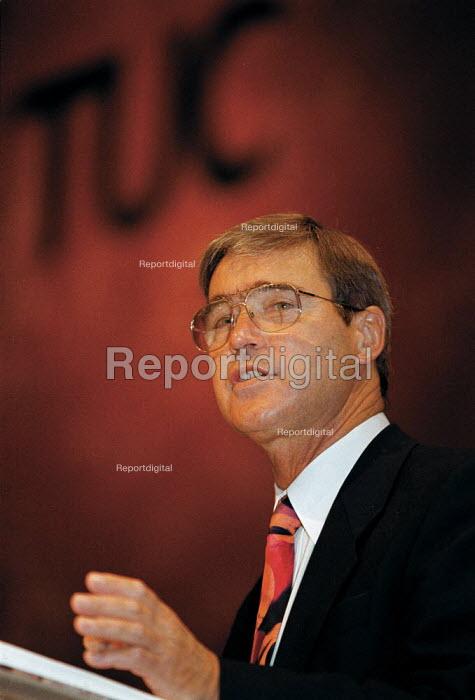 Bill Jordan ICFTU speaking at TUC Conference 1999 - John Harris - 1999-09-15