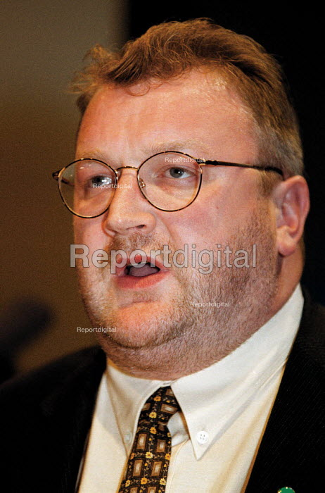 Ged Nichols IUHS speaking at TUC Conference 1999 - John Harris - 1999-09-15