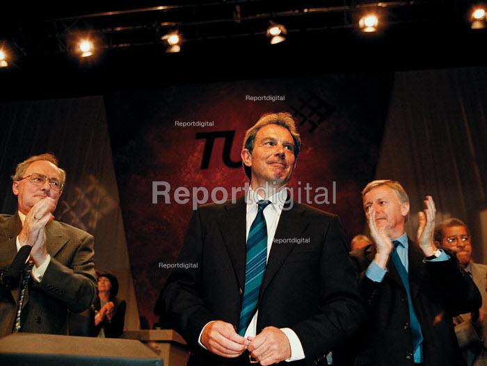 Lord Hector MacKenzie Unison Tony Blair MP Labour PM & John Monks TUC at TUC Conference 1999 - John Harris - 1999-09-14