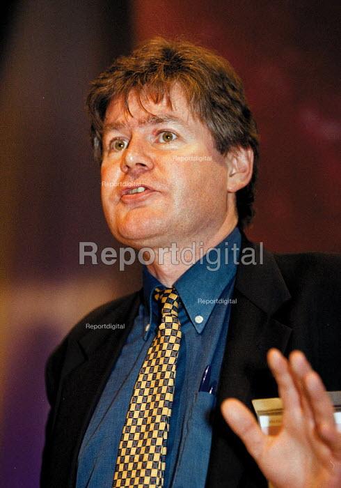 Tony Lennon BECTU speaking at TUC Conference 1999 - John Harris - 1999-09-15