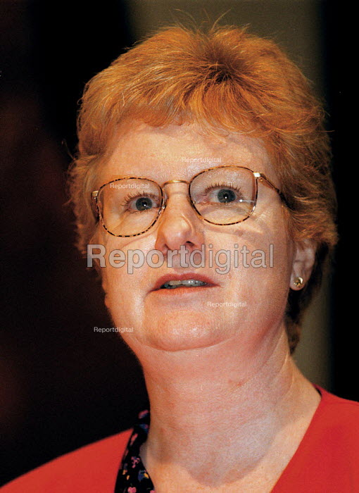 Rita Donaghy Unison speaking at TUC Conference 1999 - John Harris - 1999-09-13