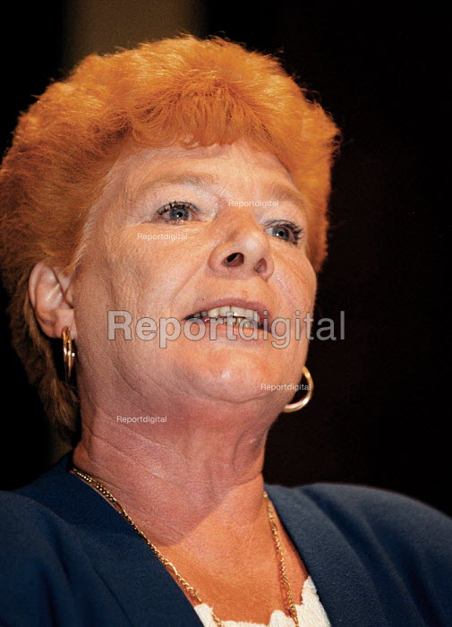 Mary Turner GMB speaking at TUC Conference 1999 - John Harris - 1999-09-13