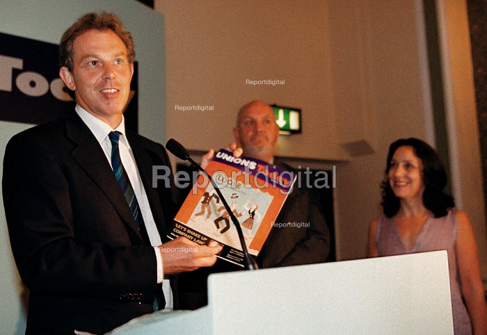 Tony Blair MP Labour PM at the launch of Unions Today magazine TUC Conference 1999 - John Harris - 1999-09-14
