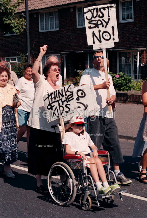 Disabled patients, staff and local community protest at the proposed closure of Crawley Hospital - John Harris - 1999-09-04