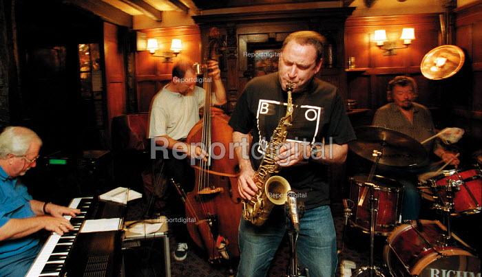 Jazz in the pub. John Patrick Trio with Gilad Atzmon on Sax playing the Jazz Club, White Swan hotel, Stratford upon Avon - John Harris - 1999-11-18