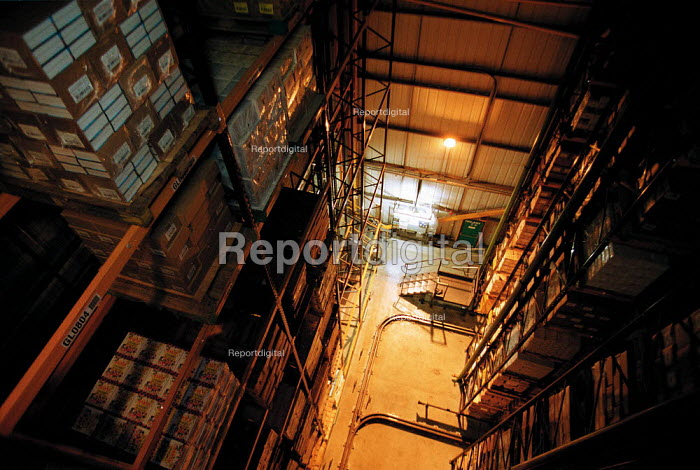 Huge warehouse storage of books at Oxford University Press OUP distribution centre Corby - John Harris - 1999-12-16