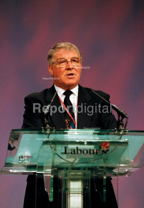 Derek Hodgson CWU speaking Labour Party Conference 1999 - John Harris - 1999-09-29