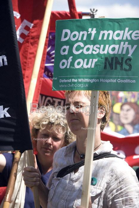 Protest against the privatisation of Hichingbrooke NHS Hospital, Huntingdon, Cambridgeshire. - John Harris - 2010-07-10