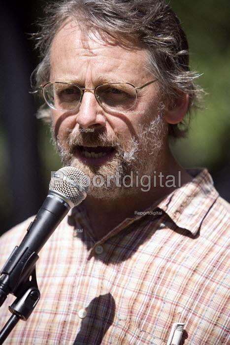 Martin Booth (Unison) speaking. Protest against the privatisation of Hichingbrooke NHS Hospital, Huntingdon, Cambridgeshire. - John Harris - 2010-07-10
