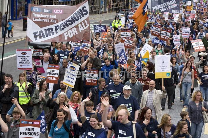 NUT, PCS and ALT members, Strike for fair Pensions, Cardiff, Wales - John Harris - 2011-06-30