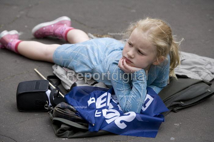 NUT members child, Strike for fair Pensions, Cardiff, Wales - John Harris - 2011-06-30