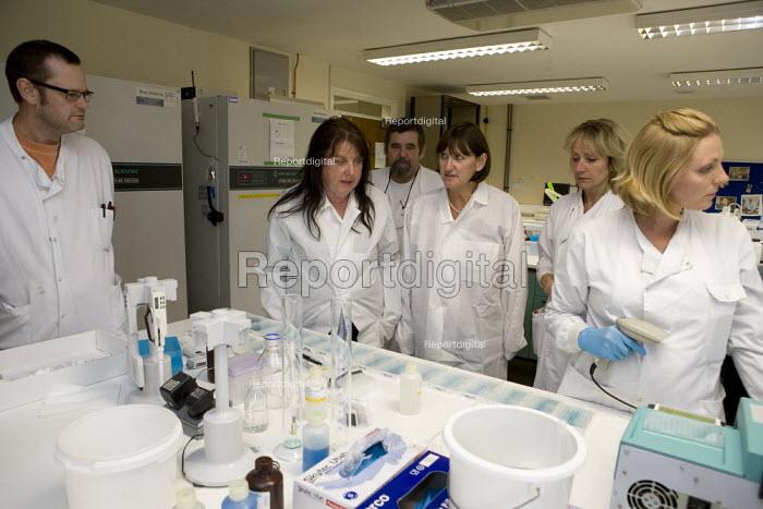 Geraldine O Connell speaking to Prospect members. Veterinary Laboratories Agency (VLA), Luddington - John Harris - 2010-01-27