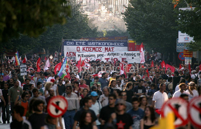 Anti Capitalist, anti war protesters demonstration European Union Summit Thessaloniki, Greece. - Jess Hurd - 2003-06-21