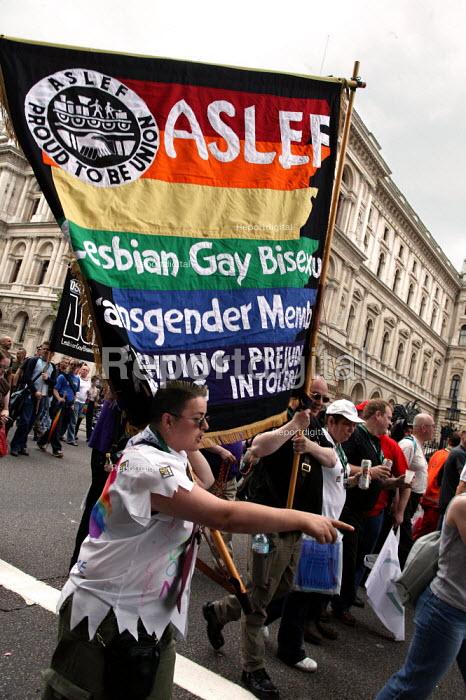 ASLEF banner London Gay Pride 2003.. - Jess Hurd - 2003-07-26