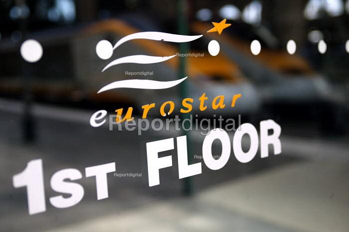 Eurostar train terminal at the Gare du Nord Railway Station, Paris. - Jess Hurd - 2003-07-30