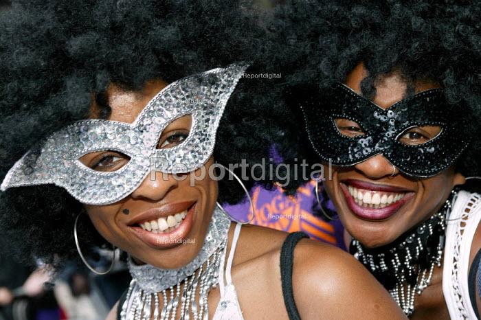Elaborate costumes at the Notting Hill Carnival London - Jess Hurd - 2003-08-25