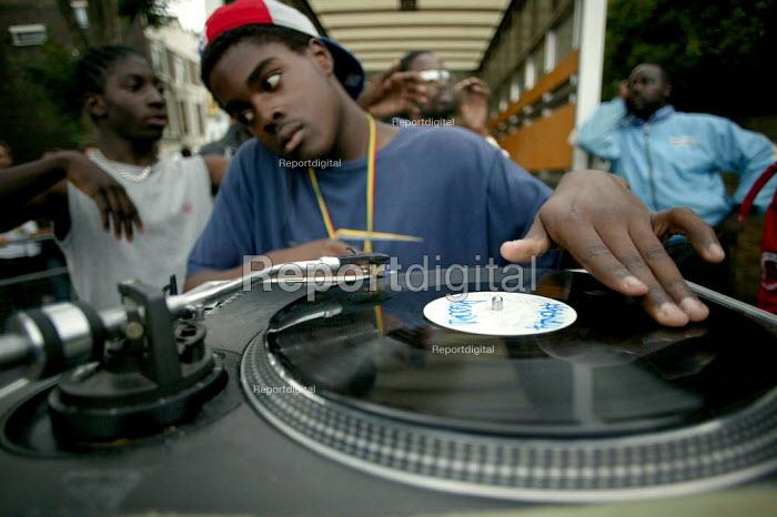 DJ at the Notting Hill Carnival London - Jess Hurd - 2003-08-25