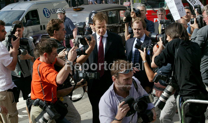 Alastair Campbell, director of communications arrives at the Hutton Enquiry into the death of government scientist Dr. David Kelly. London. - Jess Hurd - 2003-08-19