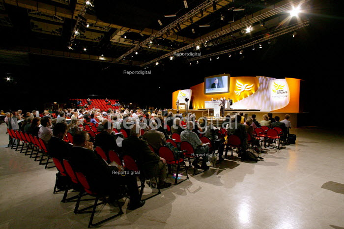 Norman Baker MP speaks at Liberal Democrat Party Conference 2003. - Jess Hurd - 2003-09-24