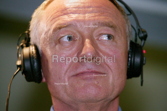 Ken Livingstone being interviewed at Liberal Democrat Party Conference 2003. - Jess Hurd - 2003-09-24