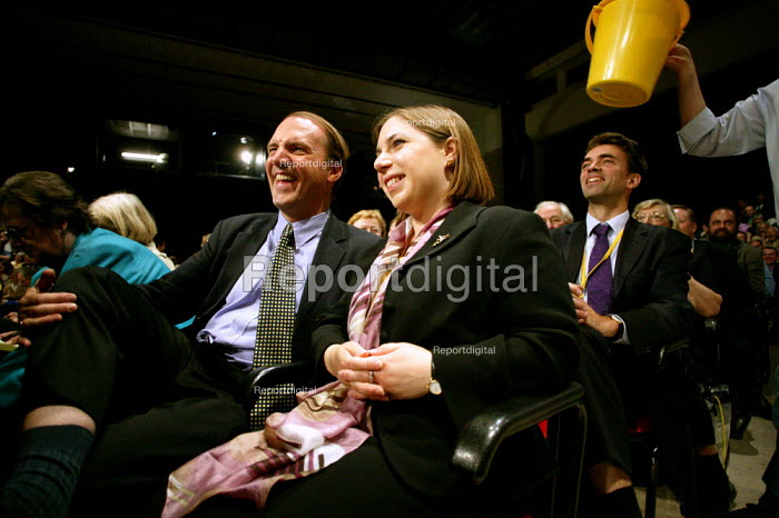 Sarah Teather the new MP for Brent East sits next to Simon Hughs MP at Liberal Democrat Conference. - Jess Hurd - 2003-09-25