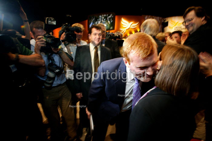 Charles Kennedy kisses Sarah Teather the new MP for Brent East at the end of Liberal Democrat Conference. - Jess Hurd - 2003-09-25