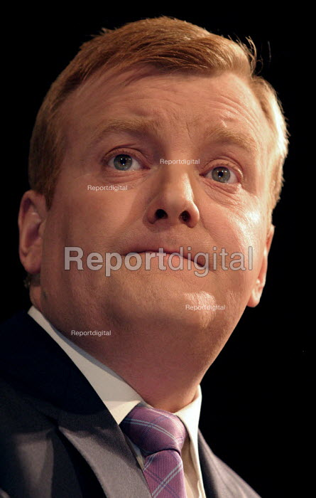 Leader Charles Kennedy at Liberal Democrat Conference. - Jess Hurd - 2003-09-25