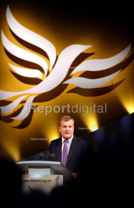 Leader Charles Kennedy at Liberal Democrat Conference. - Jess Hurd - 2003-09-25