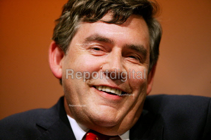 Gordon Brown MP speaking at the TUC Congress 2003. - Jess Hurd - 2003-09-09