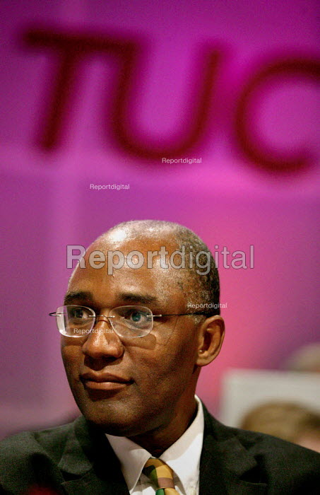 Trevor Phillips CRE speaking at the TUC Congress 2003. - Jess Hurd - 2003-09-09
