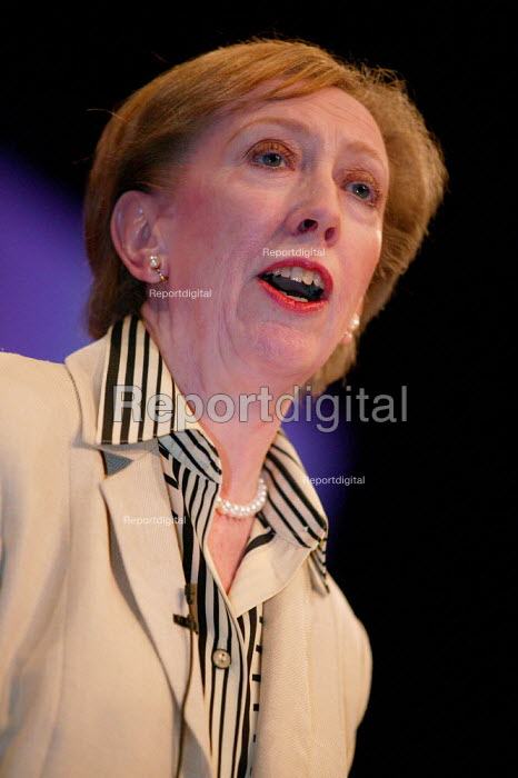 Margaret Beckett speaks at Labour Party Conference 2003. - Jess Hurd - 2003-09-28