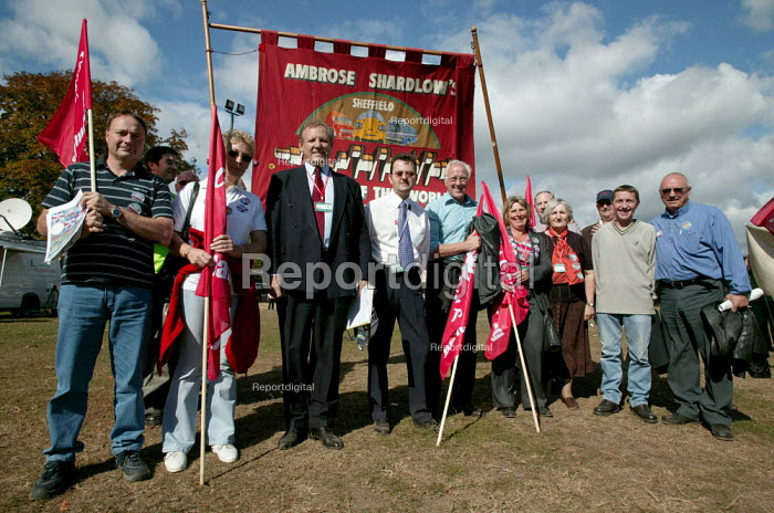 George Brumwell joins Ambrose Shardlow delegation. AMICUS, TGWU, MSF and UCATT on the Unions for Manufacturing march on Labour Party Conference 2003. - Jess Hurd - 2003-09-28