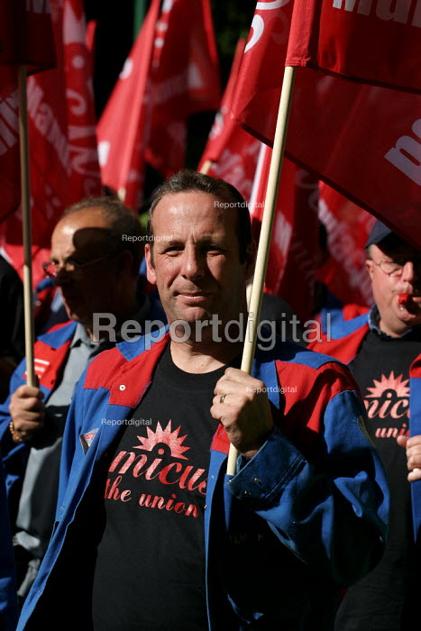 Alstom workers. AMICUS, TGWU, MSF and UCATT join the Unions for Manufacturing march on Labour Party Conference 2003. - Jess Hurd - 2003-09-28