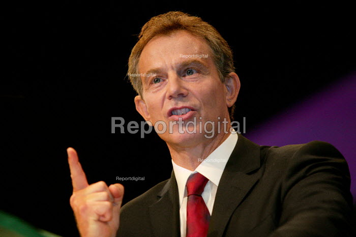 Prime Minister Tony Blair speaks at speaks at Labour Party Conference 2003. - Jess Hurd - 2003-09-30