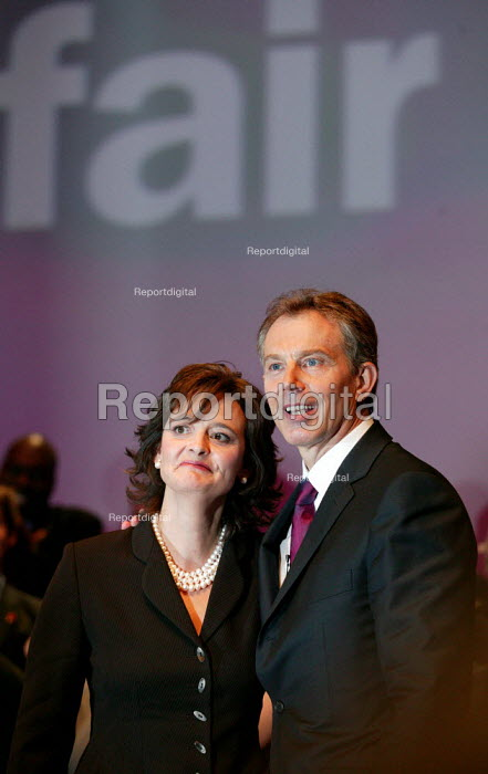 Prime Minister Tony Blair and his wife Cherie Labour Party Conference 2003. - Jess Hurd - 2003-09-30