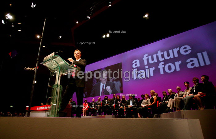 Prime Minister Tony Blair speaks at Labour Party Conference 2003. - Jess Hurd - 2003-09-30