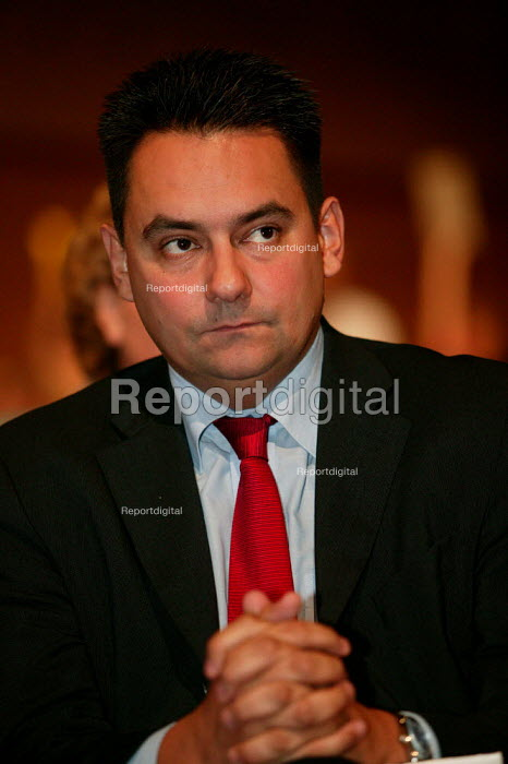 Steven Twigg MP at Labour Party Conference 2003. - Jess Hurd - 2003-09-30