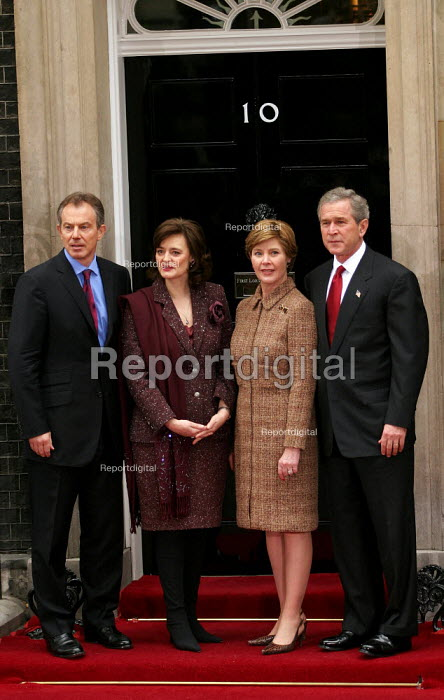 Tony Blair PM and Cherie meet with George Bush and his wife at No 10 Downing Street on the Presidents state visit to Britain. London - Jess Hurd - 2003-11-20