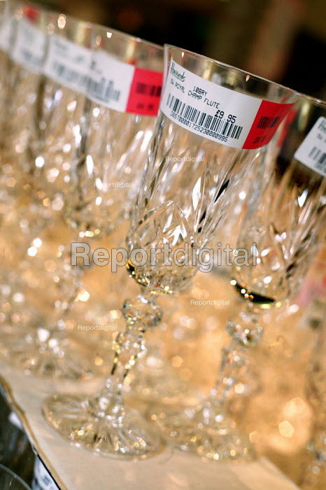 Harrods Royal Champagne Flute for sale. The Opening day of the Harrods Sale. London. - Jess Hurd - 2003-12-30